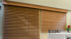 2 Wood Blinds